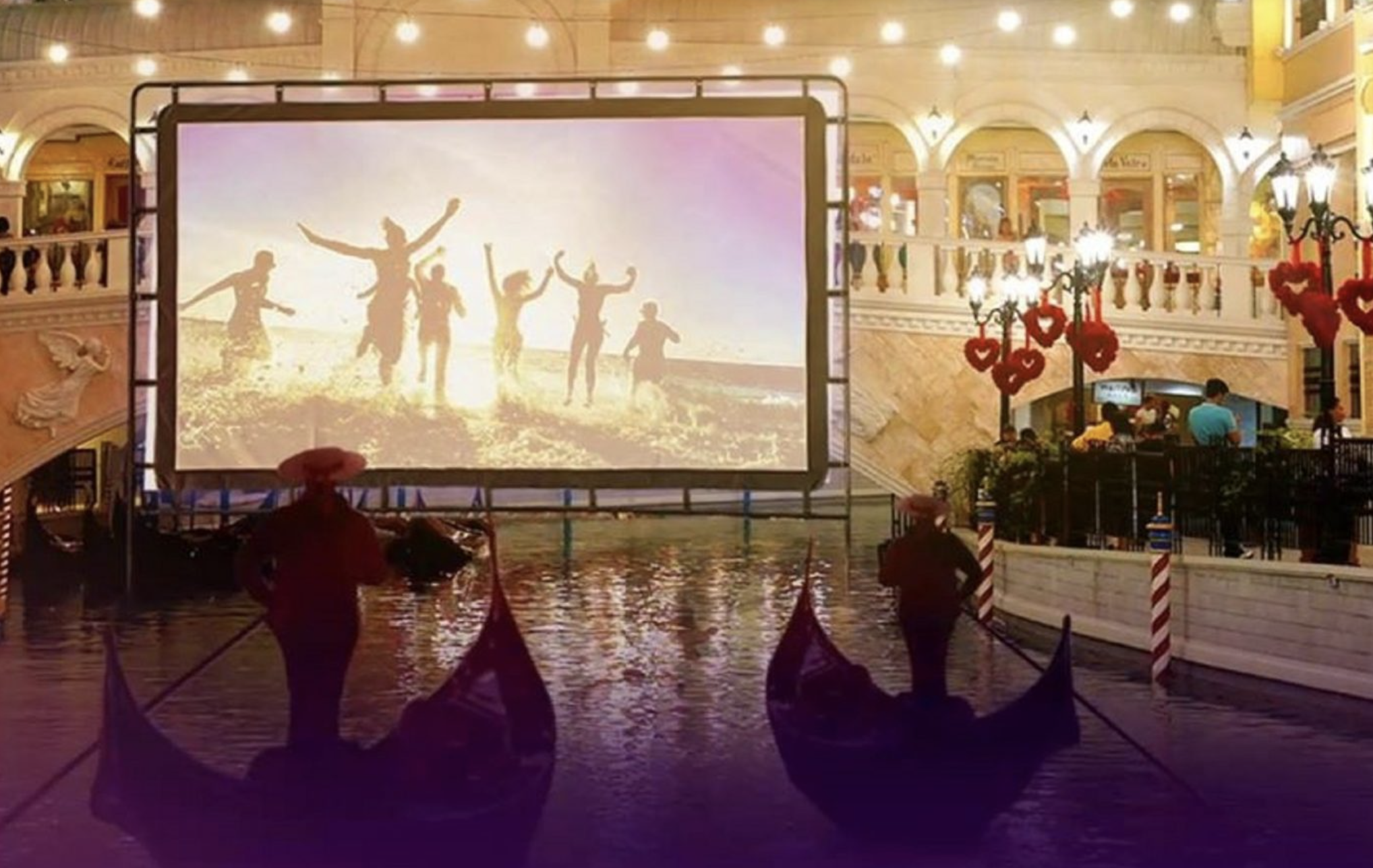 """Philippine mall introduces """"float-in"""" cinema concept with gondolas"""